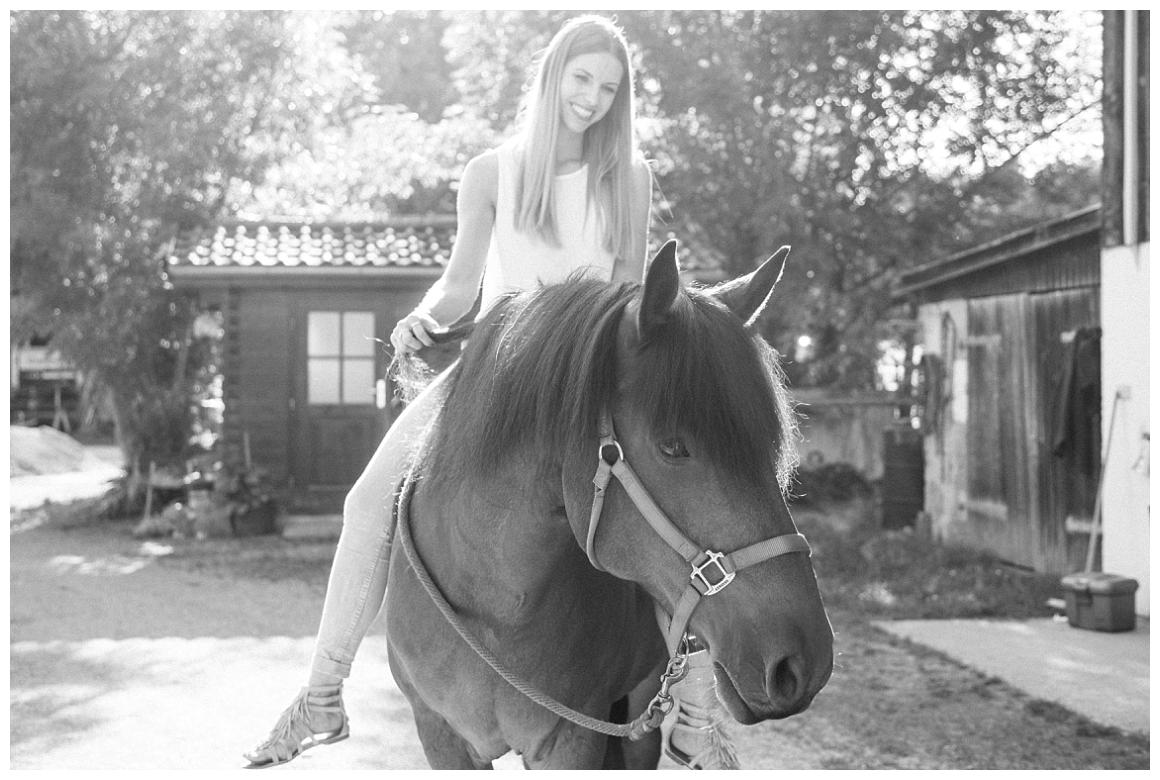 katrin-kind-portrait-fotografie-mit-pferd-muenchen-rosenheim_0015.jpg