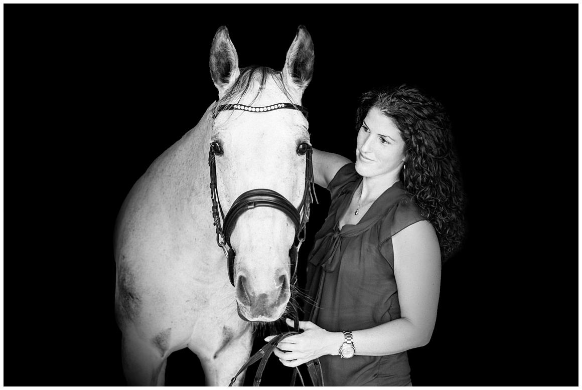 portraitfotos-mit-pferd-pferdefotograf-münchen-rosenheim-natürliche-fotos-katrin-kind-photography_0046.jpg