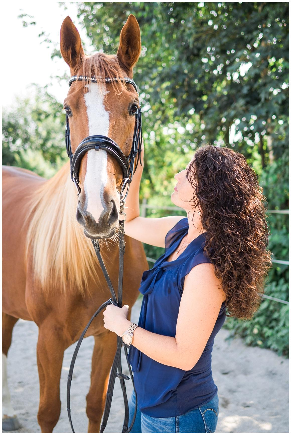 portraitfotos-mit-pferd-pferdefotograf-münchen-rosenheim-natürliche-fotos-katrin-kind-photography_0001.jpg