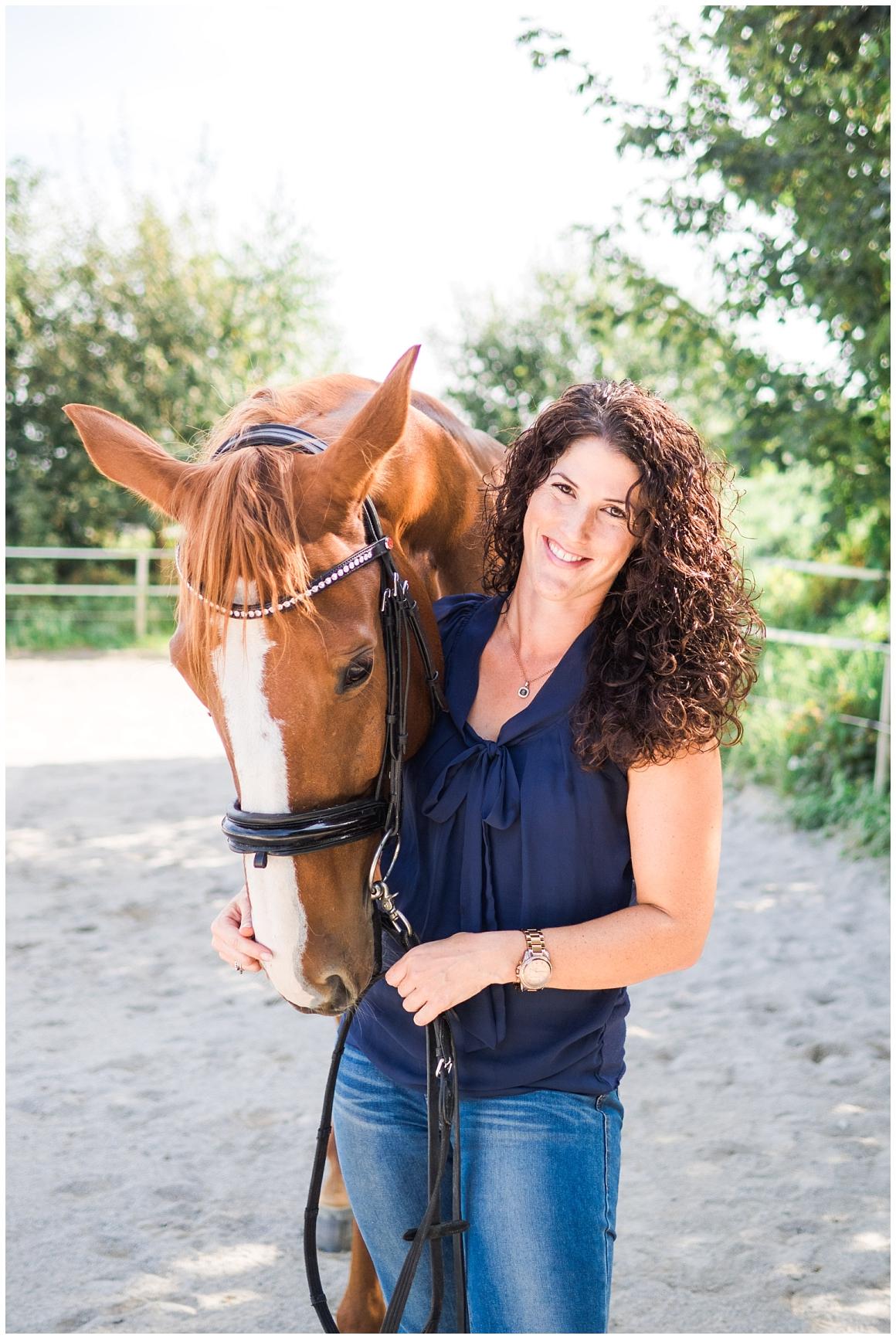 portraitfotos-mit-pferd-pferdefotograf-münchen-rosenheim-natürliche-fotos-katrin-kind-photography_0003.jpg