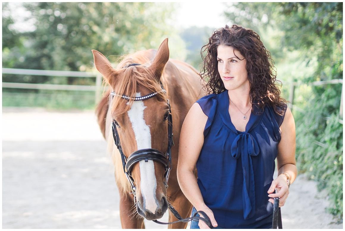 portraitfotos-mit-pferd-pferdefotograf-münchen-rosenheim-natürliche-fotos-katrin-kind-photography_0009.jpg