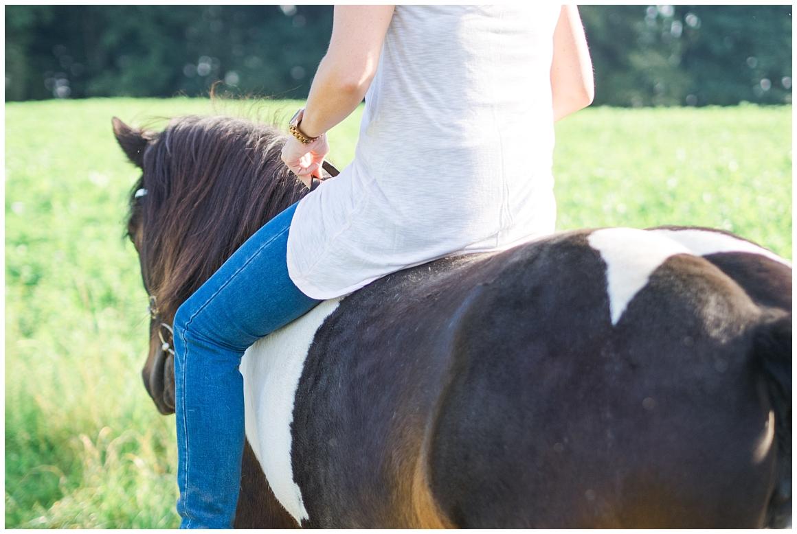 portraitfotos-mit-pferd-pferdefotograf-münchen-rosenheim-natürliche-fotos-katrin-kind-photography_0023.jpg