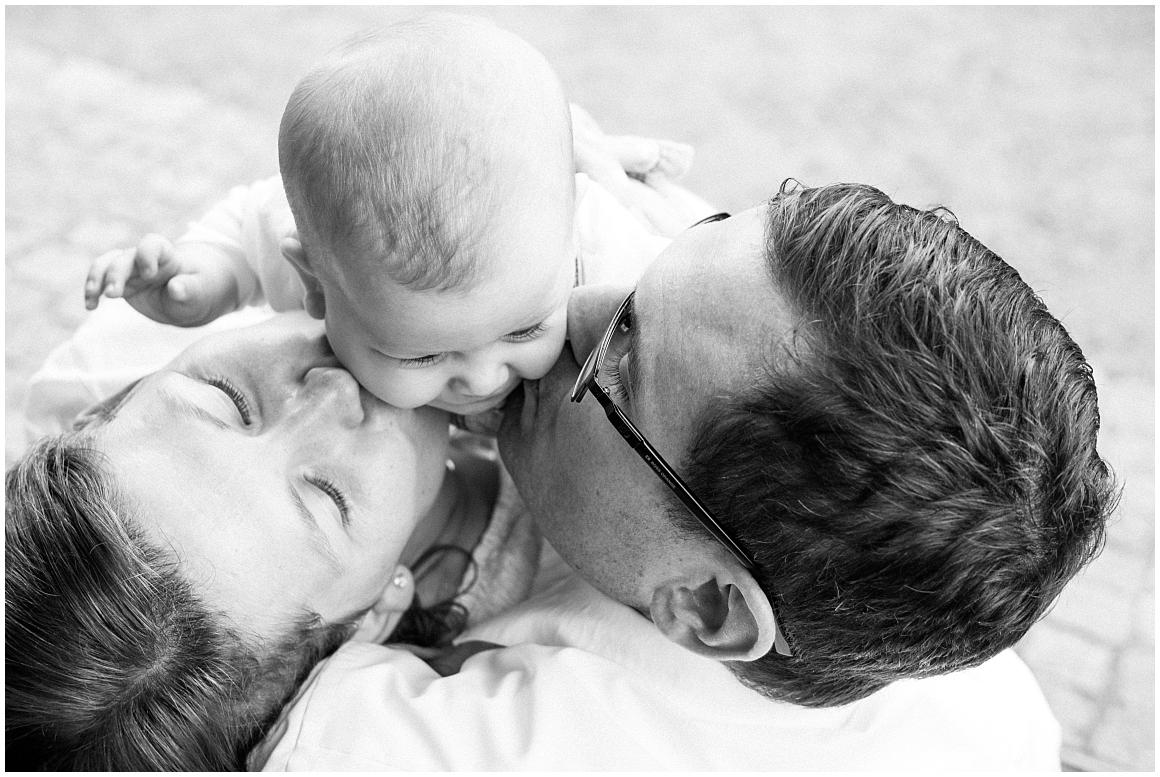 portraitfotos-familie-familienfotograf-familienfotos-familienbilder-münchen-by-katrin-kind-photography_0011.jpg