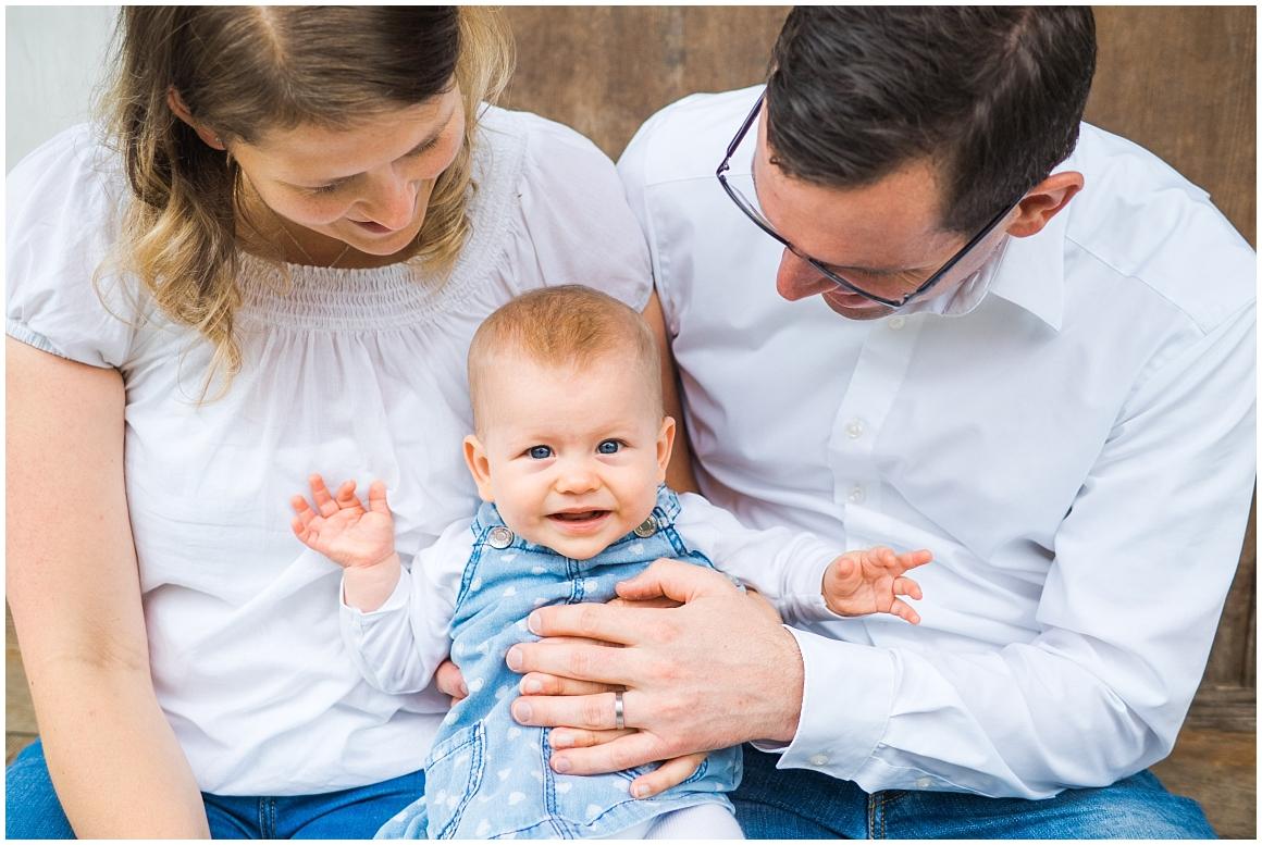 portraitfotos-familie-familienfotograf-familienfotos-familienbilder-münchen-by-katrin-kind-photography_0000.jpg