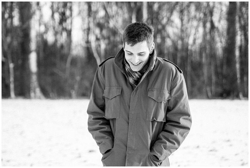 portraitfotograf-winterfotoshooting-winterportrait-paarportrait-paarfotos-pärchenfotos-natürliche-portraitfotos-münchen-rosenheim-by-katrin-kind-photography_0027.jpg