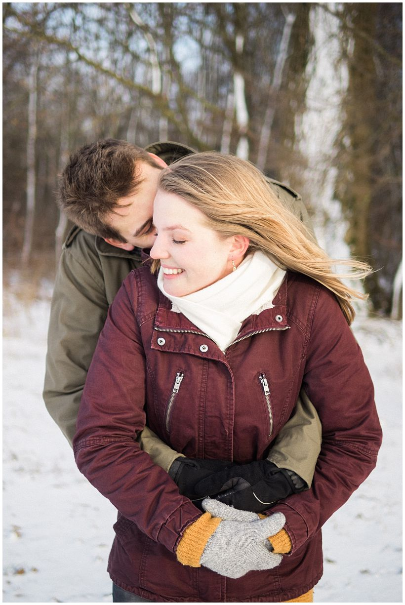 portraitfotograf-winterfotoshooting-winterportrait-paarportrait-paarfotos-pärchenfotos-natürliche-portraitfotos-münchen-rosenheim-by-katrin-kind-photography_0015.jpg