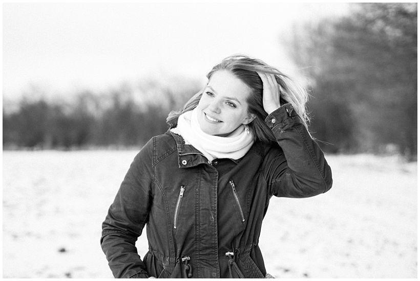 portraitfotograf-winterfotoshooting-winterportrait-paarportrait-paarfotos-pärchenfotos-natürliche-portraitfotos-münchen-rosenheim-by-katrin-kind-photography_0023.jpg