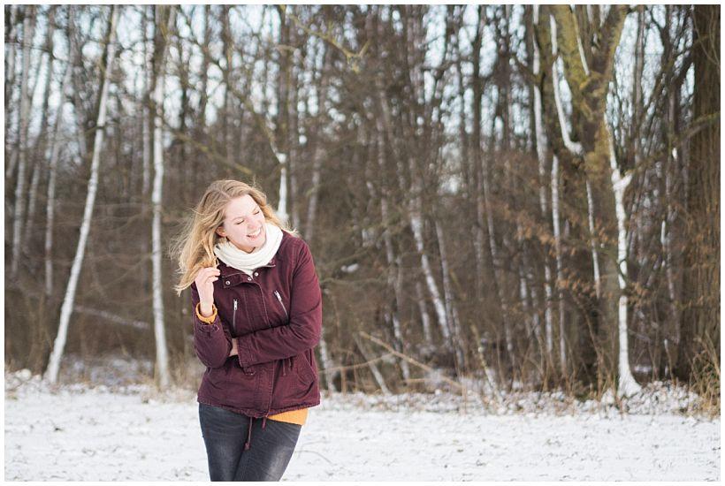 portraitfotograf-winterfotoshooting-winterportrait-paarportrait-paarfotos-pärchenfotos-natürliche-portraitfotos-münchen-rosenheim-by-katrin-kind-photography_0024.jpg