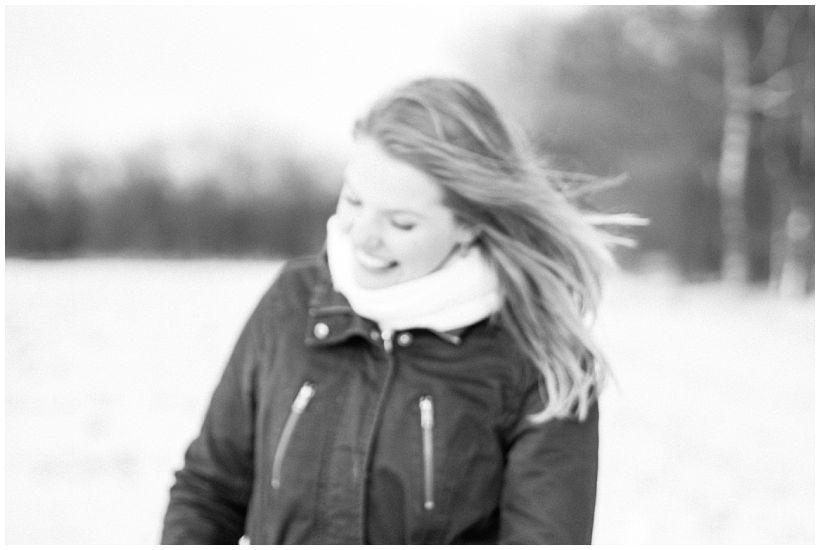 portraitfotograf-winterfotoshooting-winterportrait-paarportrait-paarfotos-pärchenfotos-natürliche-portraitfotos-münchen-rosenheim-by-katrin-kind-photography_0025.jpg