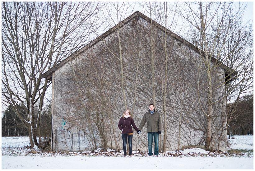portraitfotograf-winterfotoshooting-winterportrait-paarportrait-paarfotos-pärchenfotos-natürliche-portraitfotos-münchen-rosenheim-by-katrin-kind-photography_0032.jpg