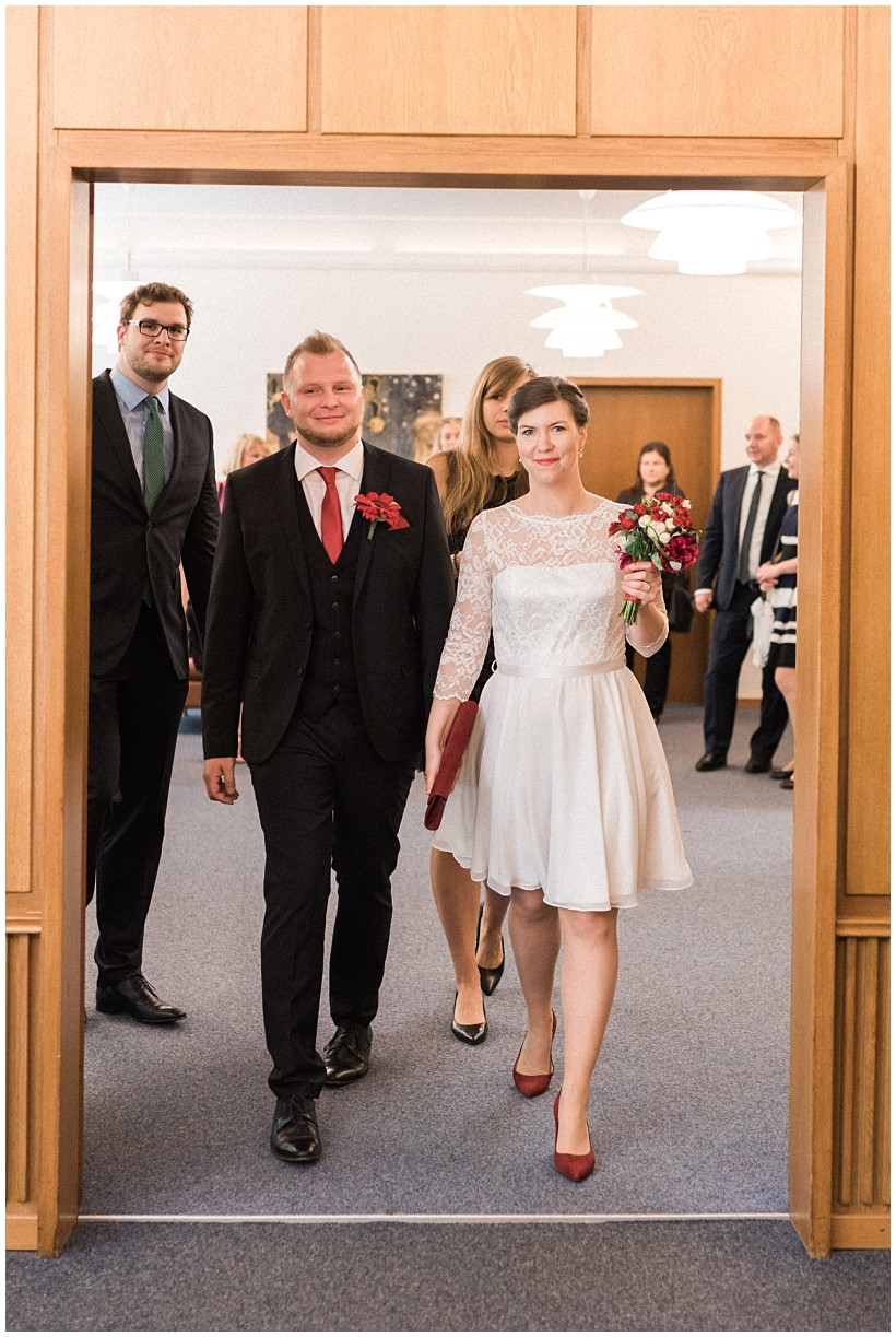hochzeitsfotograf-hochzeitsreportage-hochzeit-standesamt-mandlstraße-gasthof-hinterbrühl-münchen-wedding-photographer-katrin-kind-photography_0011.jpg