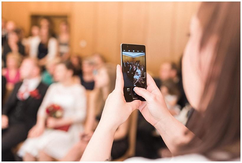 hochzeitsfotograf-hochzeitsreportage-hochzeit-standesamt-mandlstraße-gasthof-hinterbrühl-münchen-wedding-photographer-katrin-kind-photography_0013.jpg
