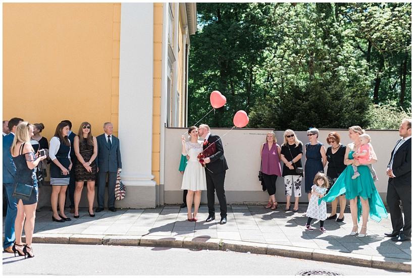 hochzeitsfotograf-hochzeitsreportage-hochzeit-standesamt-mandlstraße-gasthof-hinterbrühl-münchen-wedding-photographer-katrin-kind-photography_0023.jpg