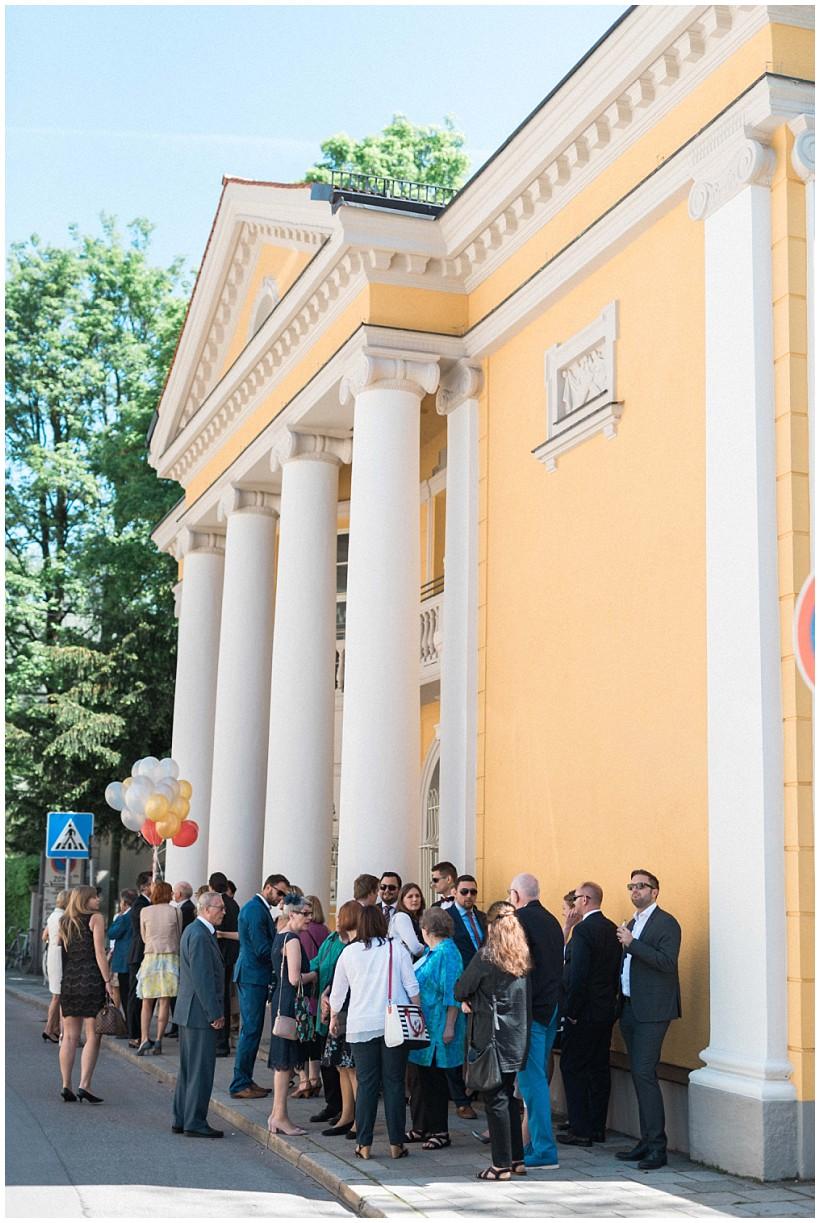 hochzeitsfotograf-hochzeitsreportage-hochzeit-standesamt-mandlstraße-gasthof-hinterbrühl-münchen-wedding-photographer-katrin-kind-photography_0007.jpg