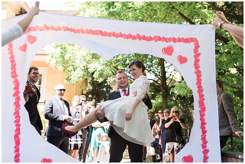 hochzeitsfotograf-hochzeitsreportage-hochzeit-standesamt-mandlstraße-gasthof-hinterbrühl-münchen-wedding-photographer-katrin-kind-photography_0032.jpg