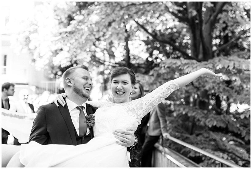 hochzeitsfotograf-hochzeitsreportage-hochzeit-standesamt-mandlstraße-gasthof-hinterbrühl-münchen-wedding-photographer-katrin-kind-photography_0033.jpg