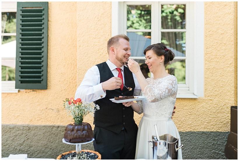 hochzeitsfotograf-hochzeitsreportage-hochzeit-standesamt-mandlstraße-gasthof-hinterbrühl-münchen-wedding-photographer-katrin-kind-photography_0061.jpg