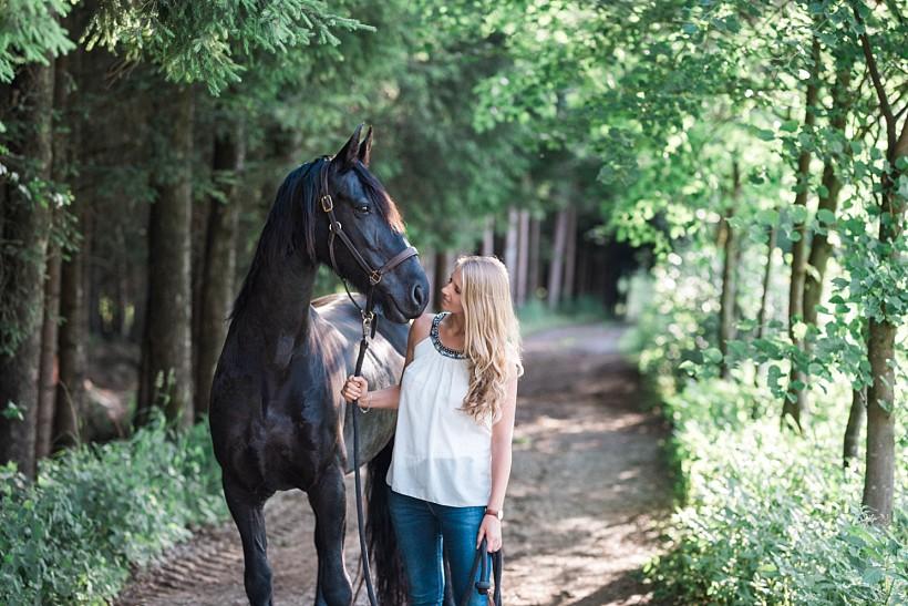 pferdefotograf-pferdeportrait-equine-horse-photographer-fotoshooting-mit-pferd-natürliche-portraitfotos-portraitfotograf-münchen-rosenheim-by-katrin-kind-photography_0020.jpg