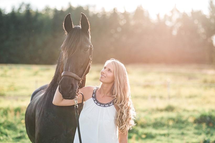 pferdefotograf-pferdeportrait-equine-horse-photographer-fotoshooting-mit-pferd-natürliche-portraitfotos-portraitfotograf-münchen-rosenheim-by-katrin-kind-photography_0026.jpg