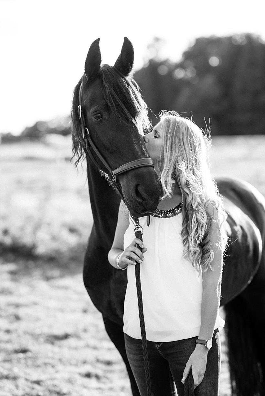 pferdefotograf-pferdeportrait-equine-horse-photographer-fotoshooting-mit-pferd-natürliche-portraitfotos-portraitfotograf-münchen-rosenheim-by-katrin-kind-photography_0028.jpg