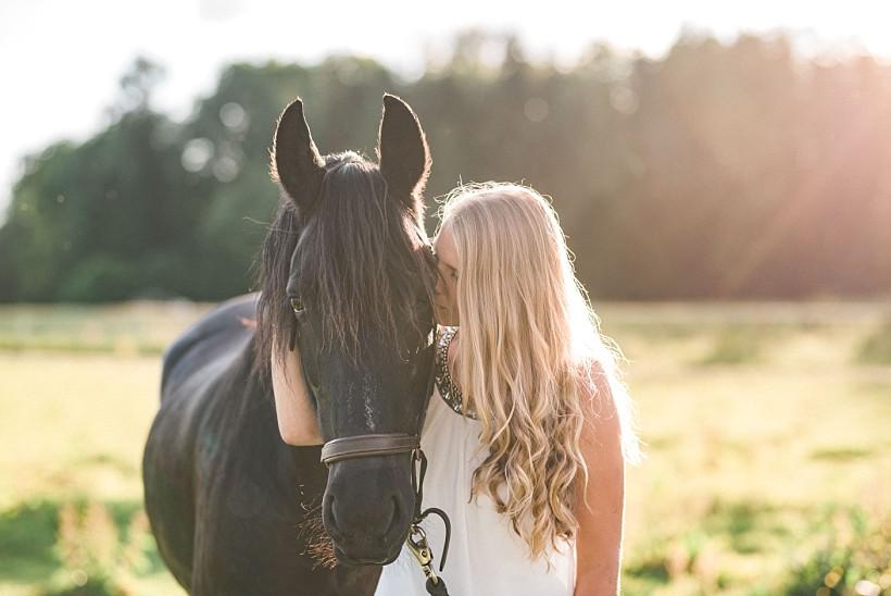 pferdefotograf-pferdeportrait-equine-horse-photographer-fotoshooting-mit-pferd-natürliche-portraitfotos-portraitfotograf-münchen-rosenheim-by-katrin-kind-photography_0031.jpg