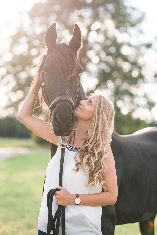 pferdefotograf-pferdeportrait-equine-horse-photographer-fotoshooting-mit-pferd-natürliche-portraitfotos-portraitfotograf-münchen-rosenheim-by-katrin-kind-photography_0022.jpg