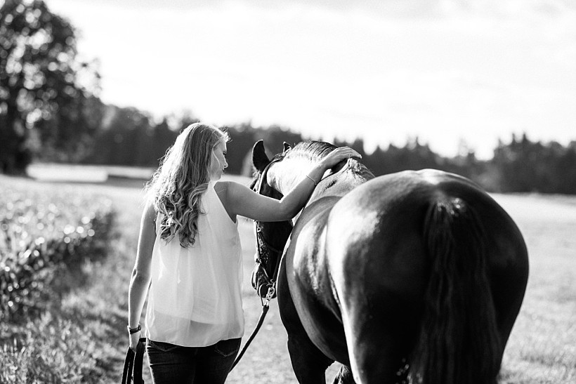 pferdefotograf-pferdeportrait-equine-horse-photographer-fotoshooting-mit-pferd-natürliche-portraitfotos-portraitfotograf-münchen-rosenheim-by-katrin-kind-photography_0023.jpg
