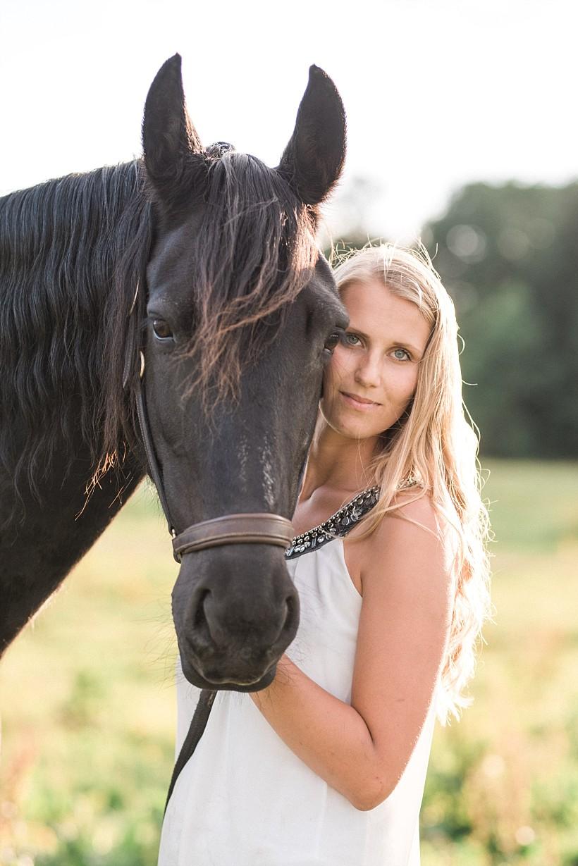 pferdefotograf-pferdeportrait-equine-horse-photographer-fotoshooting-mit-pferd-natürliche-portraitfotos-portraitfotograf-münchen-rosenheim-by-katrin-kind-photography_0024.jpg