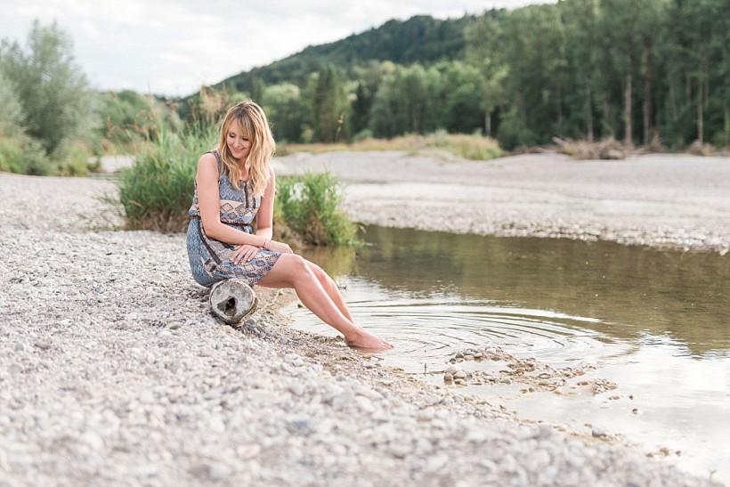 fotoshooting-isar-portraitbilder-natürliche-besondere-portraitfotos-fotograf-münchen-rosenheim-by-katrin-kind-photography_0041.jpg