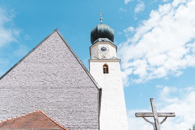 hochzeitsfotograf-hochzeitsreportage-hochzeit-chiemsee-malerwinkel-seebruck-ising-münchen-rosenheim-wedding-photographer-katrin-kind-photography_0039.jpg