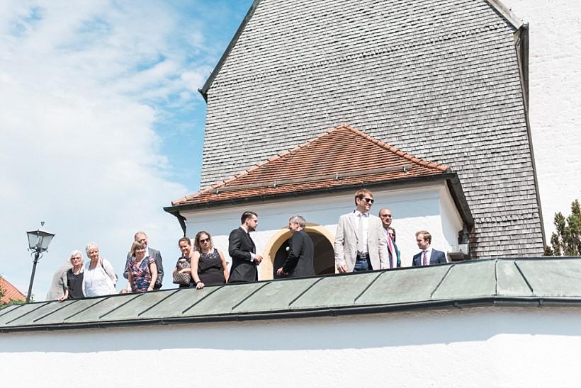 hochzeitsfotograf-hochzeitsreportage-hochzeit-chiemsee-malerwinkel-seebruck-ising-münchen-rosenheim-wedding-photographer-katrin-kind-photography_0040.jpg