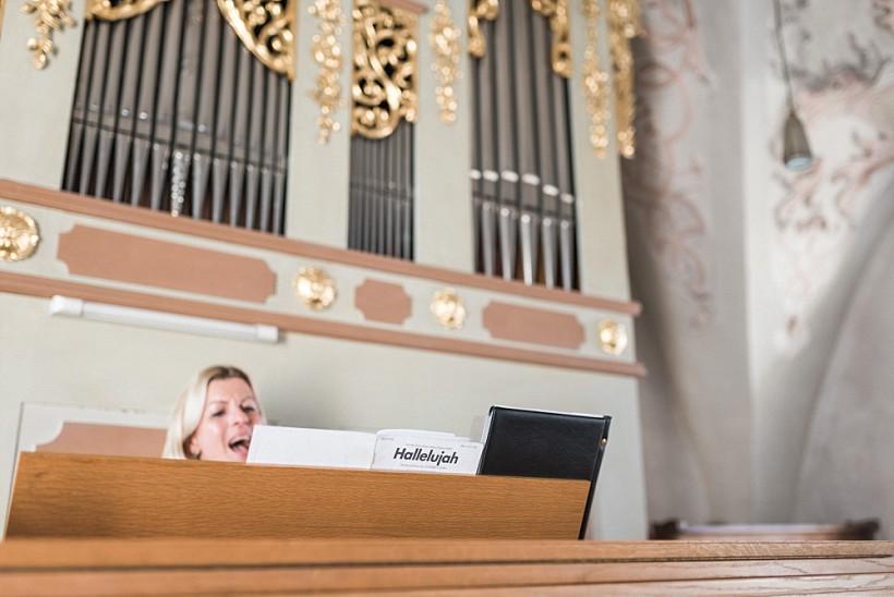 hochzeitsfotograf-hochzeitsreportage-hochzeit-chiemsee-malerwinkel-seebruck-ising-münchen-rosenheim-wedding-photographer-katrin-kind-photography_0047.jpg