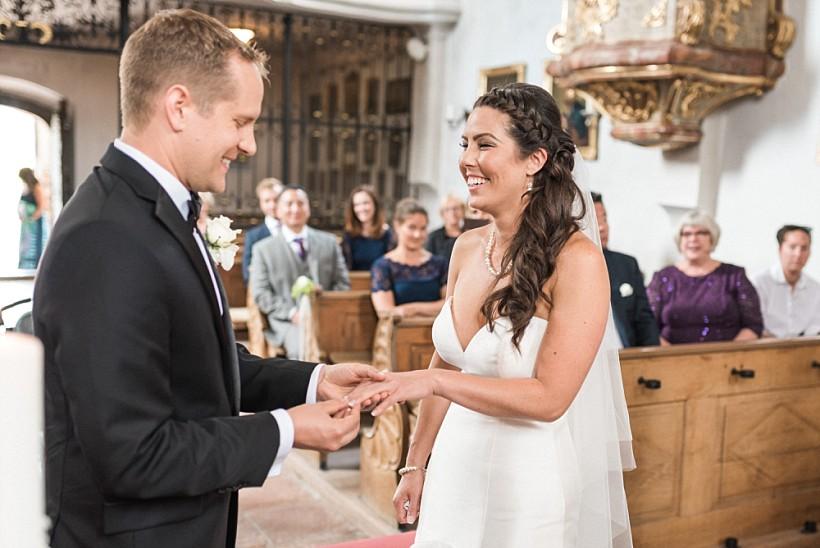 hochzeitsfotograf-hochzeitsreportage-hochzeit-chiemsee-malerwinkel-seebruck-ising-münchen-rosenheim-wedding-photographer-katrin-kind-photography_0053.jpg