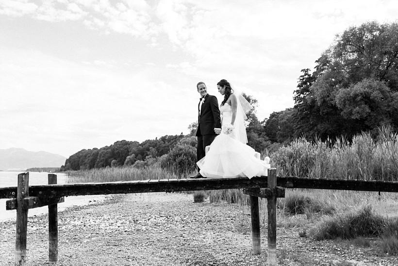 hochzeitsfotograf-hochzeitsreportage-hochzeit-chiemsee-malerwinkel-seebruck-ising-münchen-rosenheim-wedding-photographer-katrin-kind-photography_0065.jpg