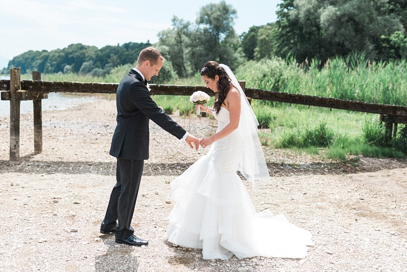 hochzeitsfotograf-hochzeitsreportage-hochzeit-chiemsee-malerwinkel-seebruck-ising-münchen-rosenheim-wedding-photographer-katrin-kind-photography_0032.jpg