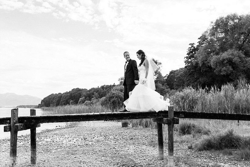 hochzeitsfotograf-hochzeitsreportage-hochzeit-chiemsee-malerwinkel-seebruck-ising-münchen-rosenheim-wedding-photographer-katrin-kind-photography_0065.jpg