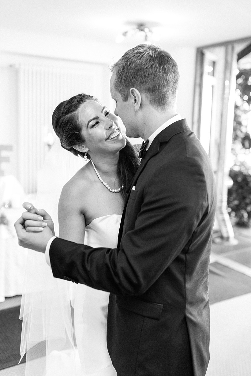 hochzeitsfotograf-hochzeitsreportage-hochzeit-chiemsee-malerwinkel-seebruck-ising-münchen-rosenheim-wedding-photographer-katrin-kind-photography_0091.jpg