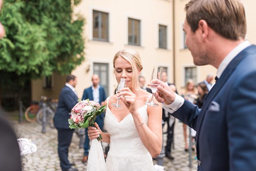 Hochzeitsfotograf München - Trauung im Standesamt Rathaus Schloss Ismaning