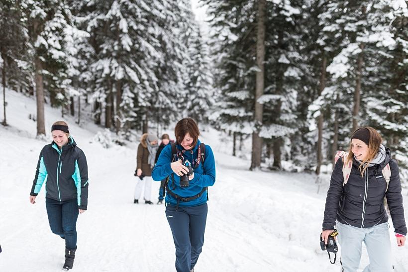 Hochzeitsfotograf Kufstein Hinterthiersee Tirol Österreich - Behind The Scenes Kala Alm Styled Shooting - Winter Mountain Elopement