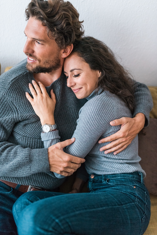 Hochzeitsfotograf München - Verlobungsshooting Engagement Homestory