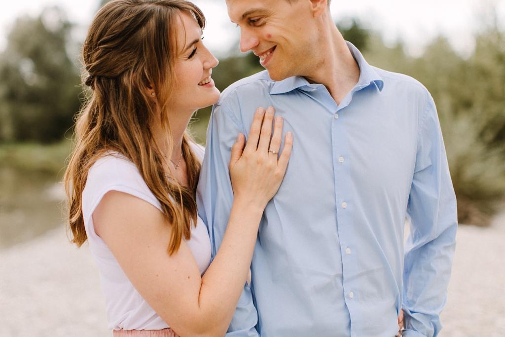 Verlobungsfotos an der Isar