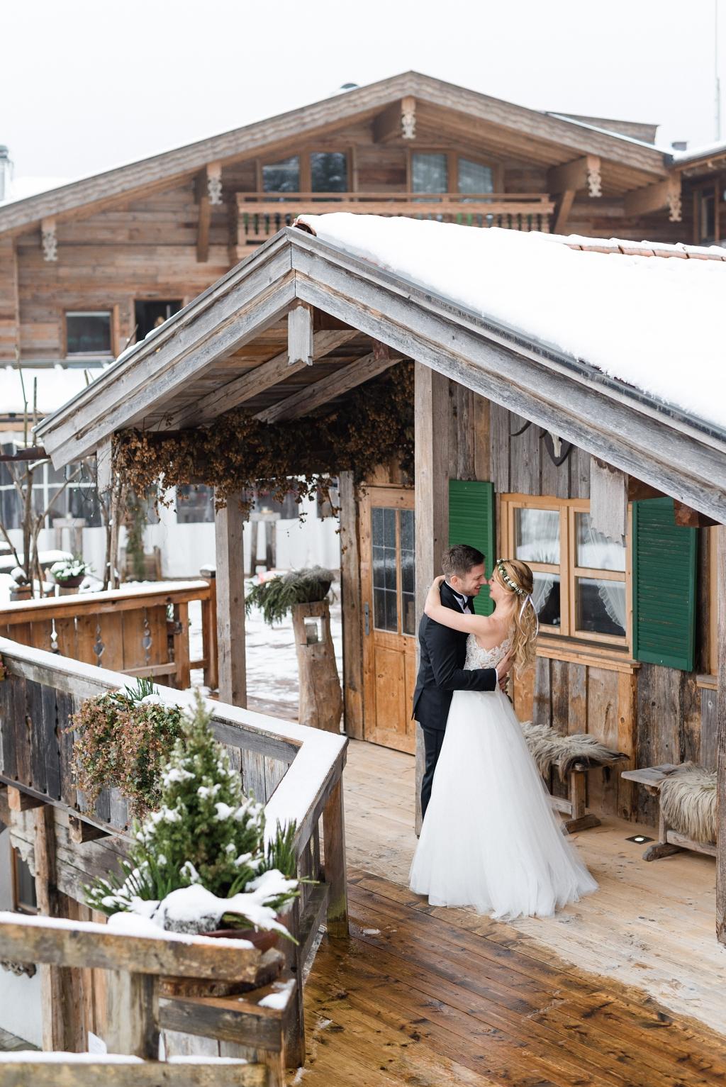 Hochzeit im Winter am Tatzlwurm